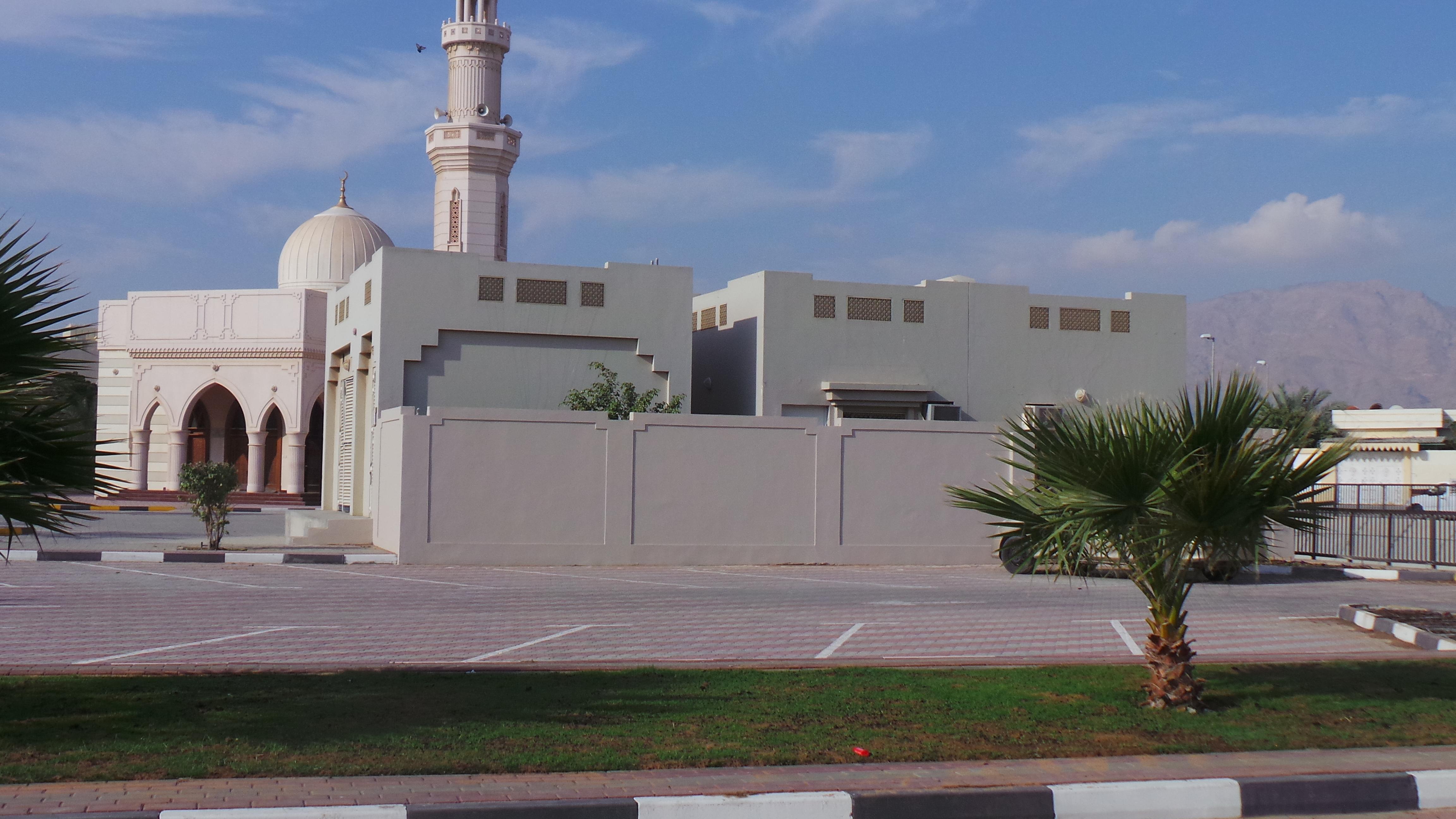 توسعة سكن إمامي مسجدين في دبا الحصن